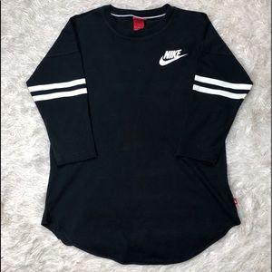 3/$20 🎉 EUC Nike Baseball Style 3/4 Shirt